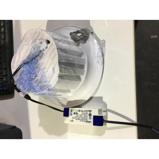 Down Light COB Power: 30W Input: AC 100-265V CCT: 6500k CRI: 85 PF> 0.9
